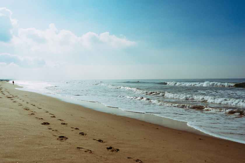 sea-beach-footprint-steps.jpg